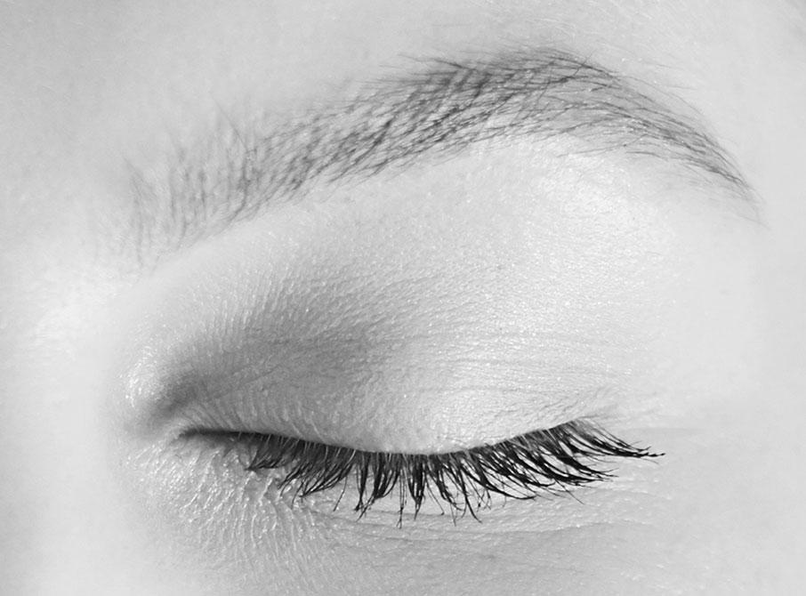 Closed-eyelid-eyebrow-sleep-health