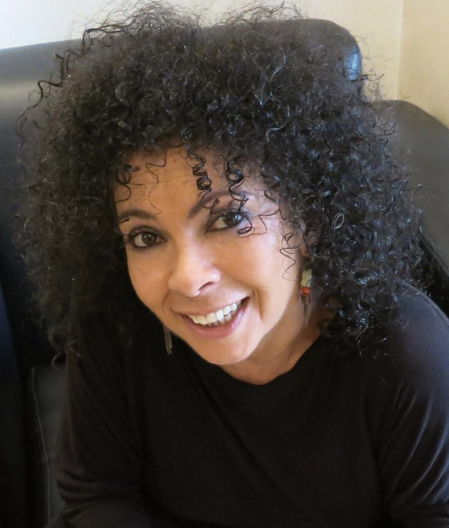 ZZ-B-Sharon-Lockwood-founder-ZayZay-Living