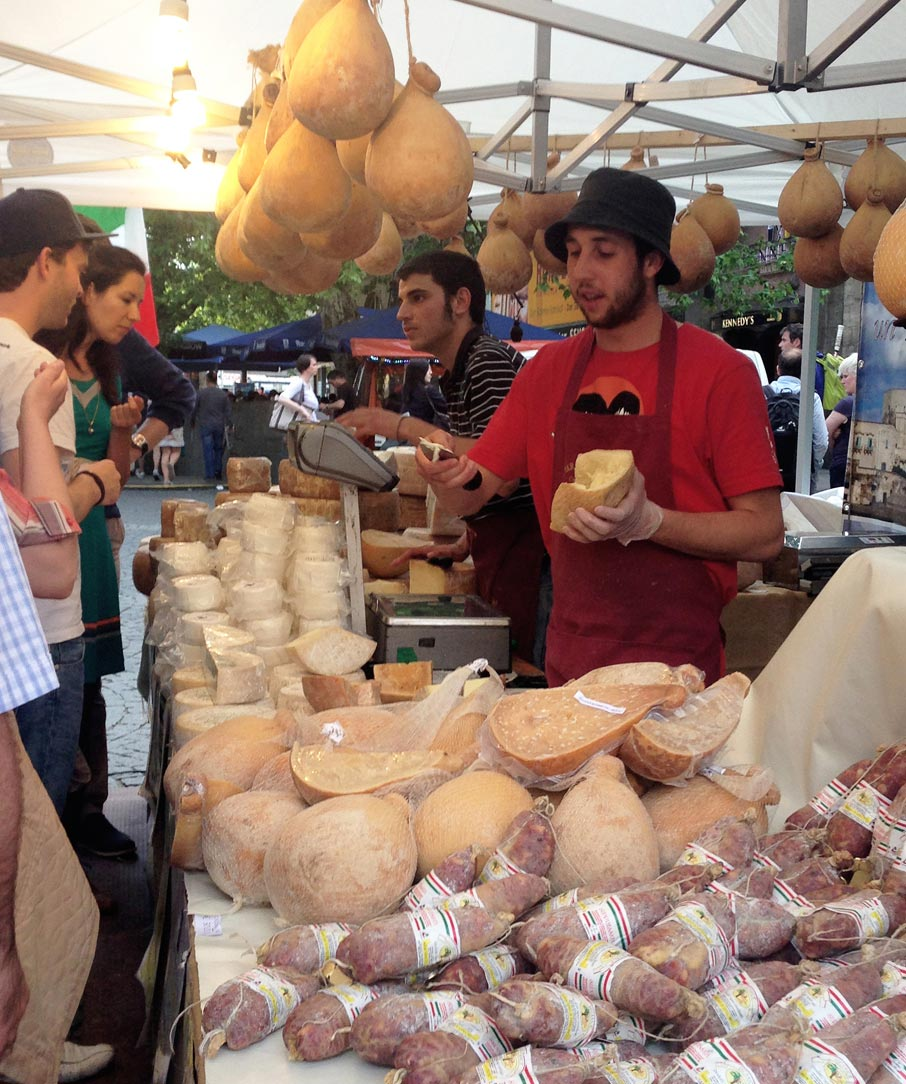 ZZ-B-Munich-farmers-market-german-sausage-and-cheese
