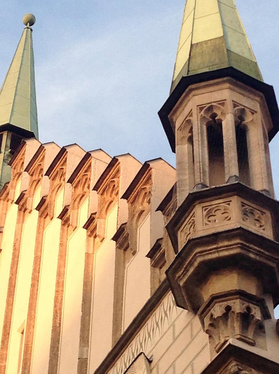 ZZ-B-Munich-gothic-architecture-turrets