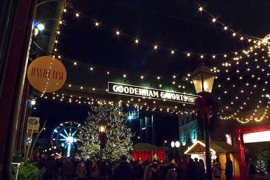 Distillery-Toronto-Christmas-Market-at-night