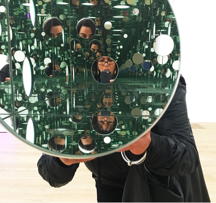 London-Design-Festival-many-circular-mirrors-and-reflections