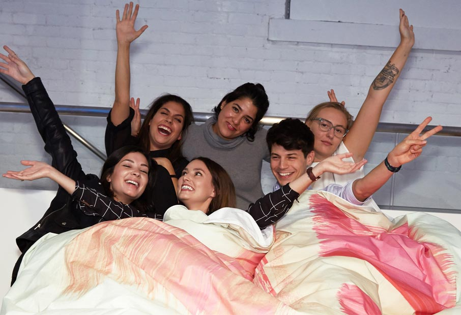 ZZ-B-Launch-party-Jess-and-interior-design-friends-in-bed-with-So-Jess-duvet-cover