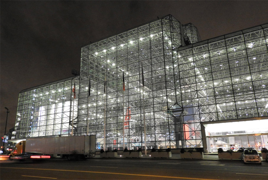 ZZ-B-NYC-Texworld-Javits-centre-exterior-by-Jim-Henderson