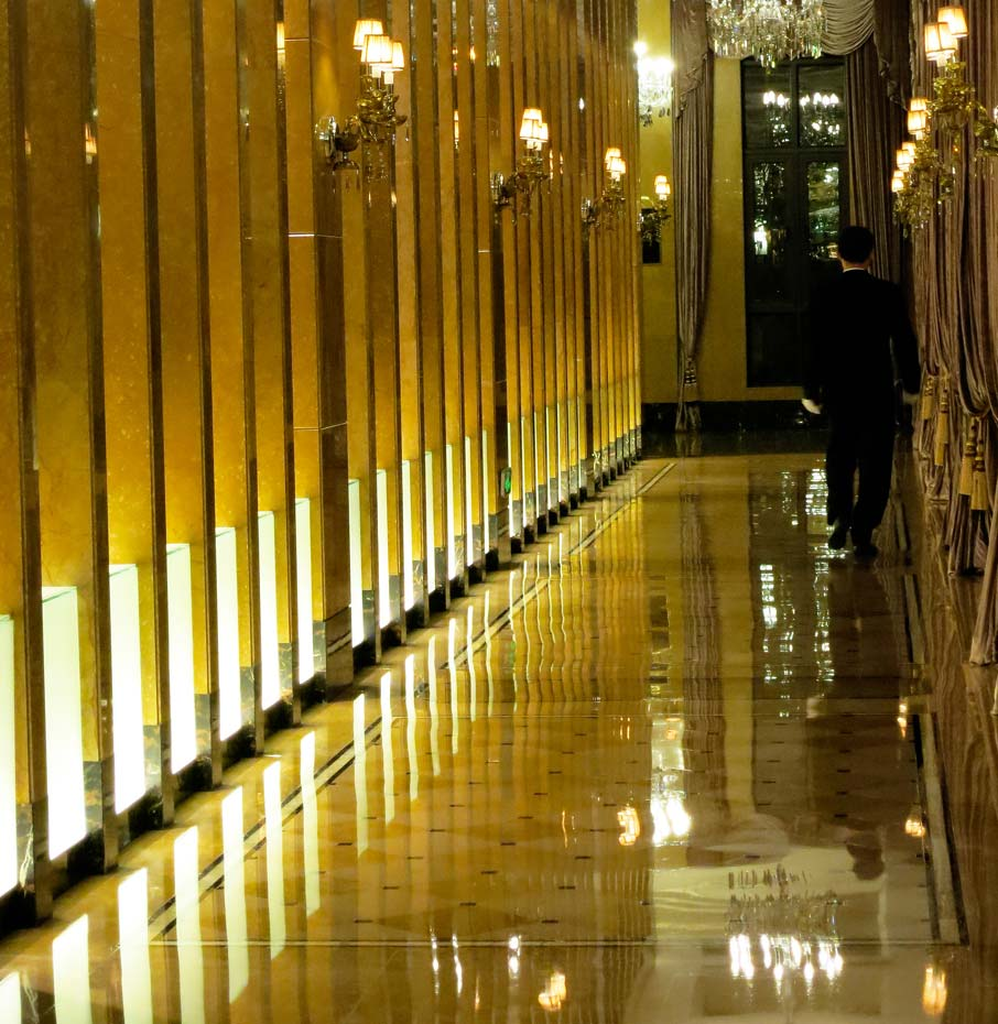 ZZ-B-Shanghai-Pudong-Hotel-gleaming-polished-hallway