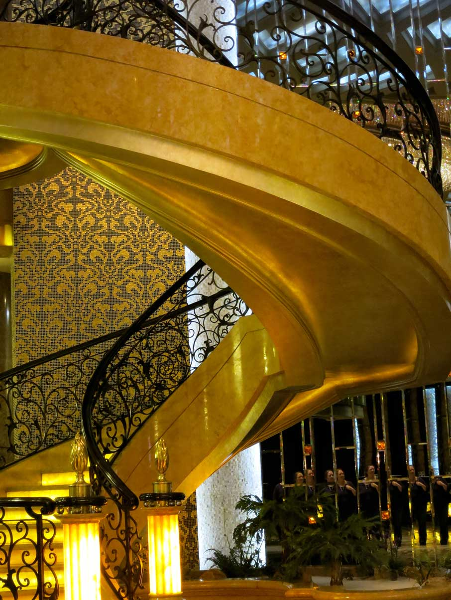 ZZ-B-Shanghai-Pudong-Hotel-grand-staircase-in-lobby