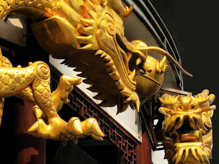 ZZ-B-Shanghai-gold-dragons-on-building-old-city