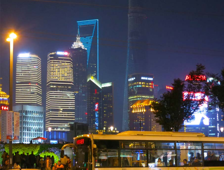 ZZ-B-Shanghai-nightlife-along-the-Bund