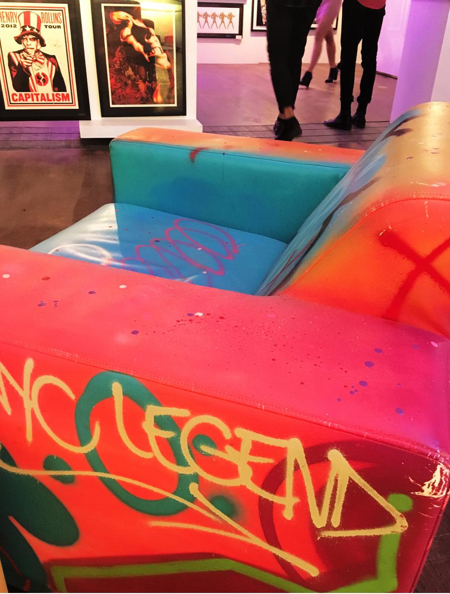 ZZ-B-Struck-Art-Gallery-Grafitti-Chair