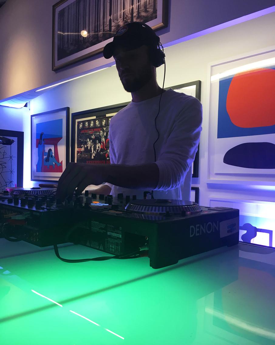 ZZ-B-Struck-Art-Gallery-Launch-Party-DJ