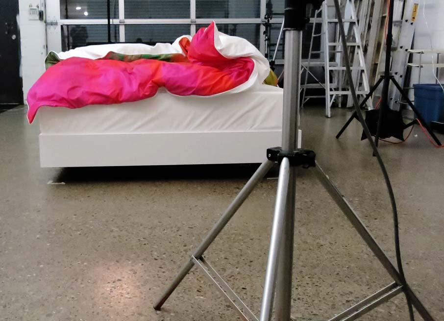 ZZ-B-photoshoot-getting-equipment-set-up