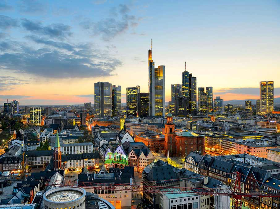 ZZ-Frankfurt-aerial-view-of-city
