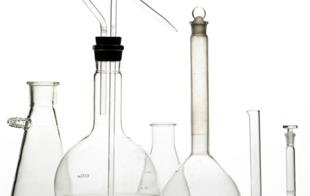 Different-types-and-sizes-of-glass-beakers