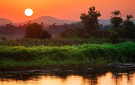 Sun-setting-along-Nile-river
