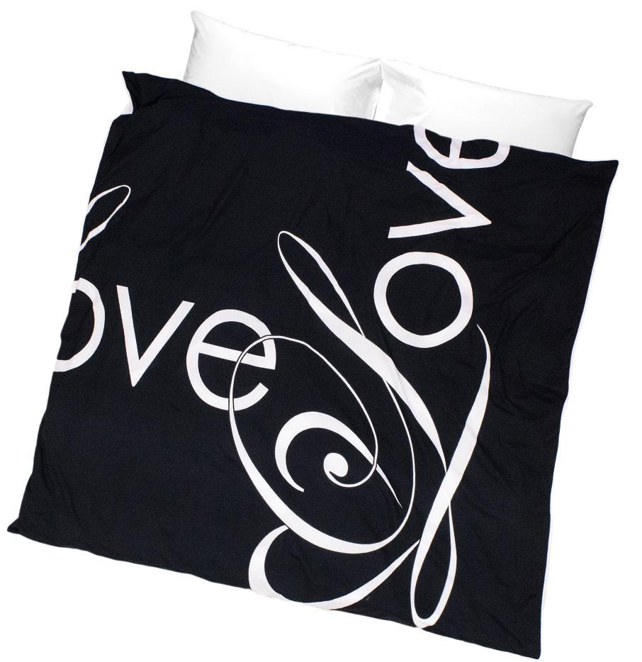 ZayZay-duvet-cover-design-Penguin-Love-on-white-background
