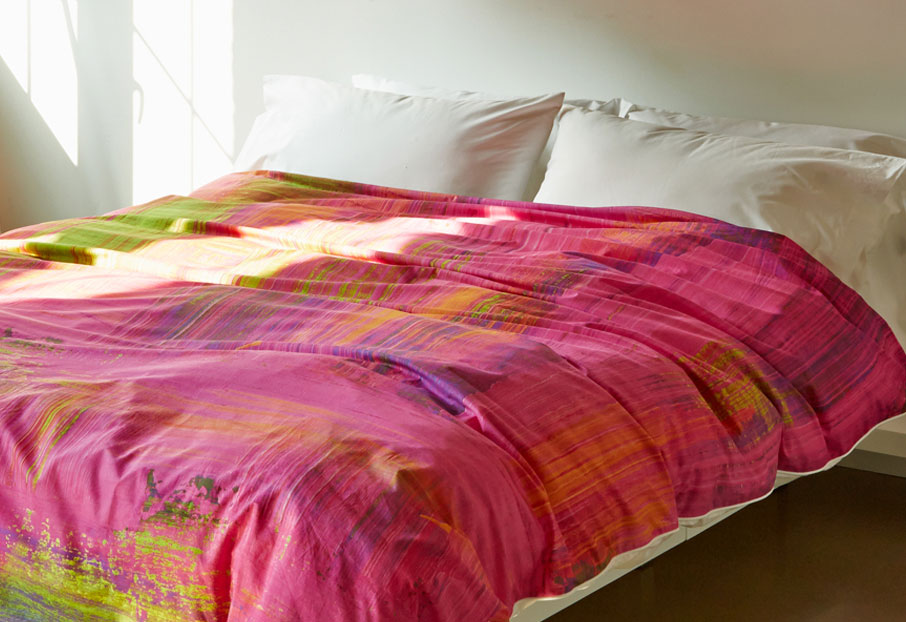 ZayZy-duvet-cover-design-Pink-Mojito-on-bed