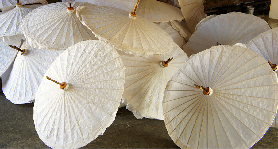 Cluster-of-Thailand-white-and-cream-paper-umbrellas