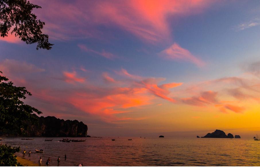 Orange-and-purple-sunset-along-Thailand-coast